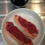 お肉祭り ステーキ・牛干し肉の燻製 糖質制限食のトライアルとして